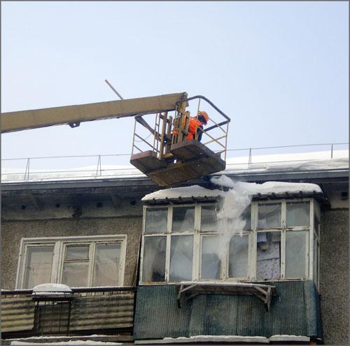 В советском районе продолжается активная работа по очистке к.